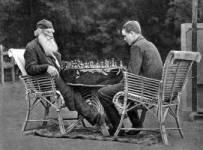 Lav N Tolstoj igra šah