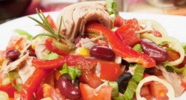 Salata sa tunjevinom i pasuljem