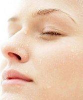 Da li je naša koža hidrirana ako pijemo osam čaša vode dnevno?