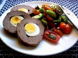 Rolat sa mlevenim mesom i jajima